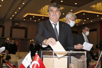 Serdal Adalı Türkiye Jokey Kulübü Başkanlığına 4'üncü Kez Seçildi