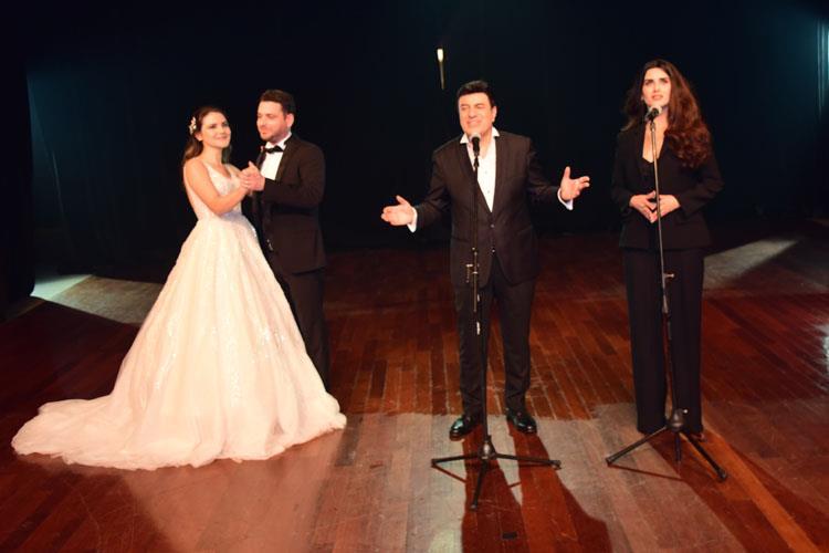 """Coşkun Sabah Klip Çekiminde """"Evlenmek istiyorum"""" Dedi."""