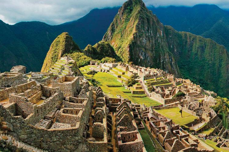 HER AÇIDAN ÇOK İLGİ ÇEKİCİ  BİR ÜLKE; PERU