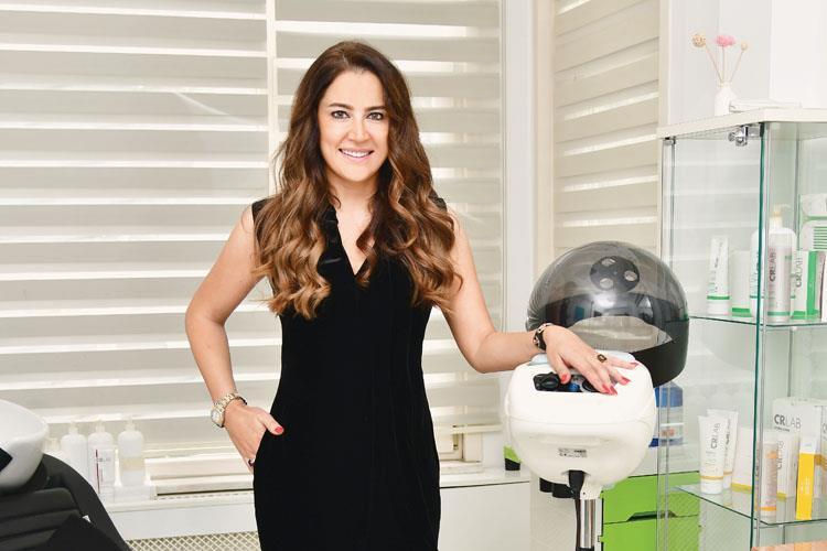 Saç Dökülme Sorunları Doğru Zamanda Tespit Edildiğinde Saçları Kurtarmak Mümkündür