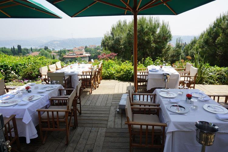 """Öğle Yemeklerinizin Yeni Buluşma Noktası: """"Sunset Brasserie"""""""
