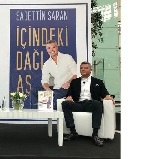 Sadettin Saran, ilk kitabını D&R Kitap Fuarı'nda imzaladı