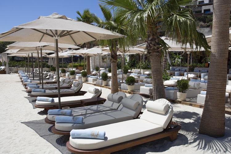 Villa Azur Beach Club & Restaurant Bodrum Yenilenen Menüsü ve Hizmetleriyle Sezona Damgasını Vurmaya Hazır