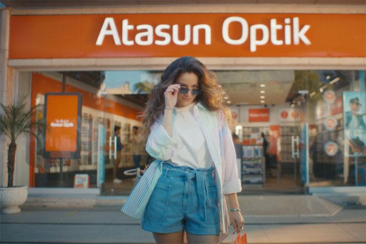 Atasun Optik Yeni Reklam Filmiyle Türkiye'nin Sevilen İsimlerini Bir Araya Getirdi