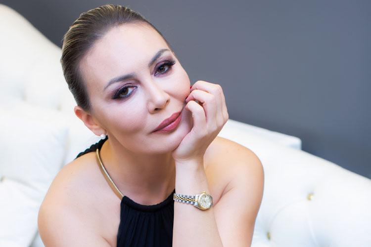 Türkiye'nin İlk Kadın Mayo Tasarımcısı ve Kalıpta En İyisi Olarak Göze Çarpıyor