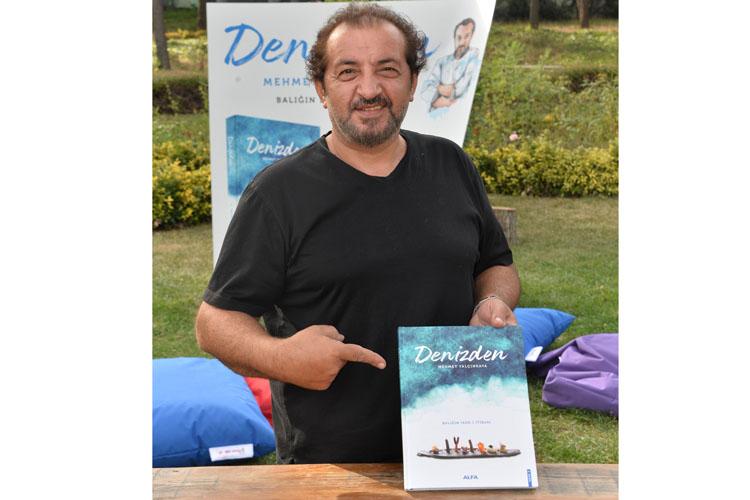 """Masterchef Mehmet Yalçınkaya Ye İç Eğlen Festivalinde """"Denizden"""" Kitabını İmzaladı"""