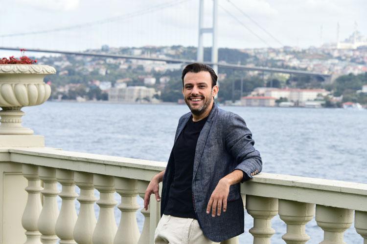 VİDEO HABER/Ünlü Oyuncu Salih Bademci, Oyunculuk Serüvenini, Mutlu Aile Yaşantısını KlassTV'ye Anlattı
