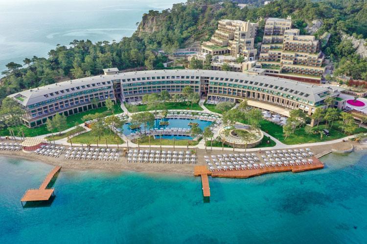 NG Phaselis Bay/Balayı Tatilini Masalsı Bir Hikayeye Dönüştürüyor