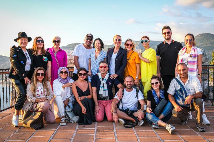 'Her Şehri Ünlülerle Geziyoruz'  Tarihi ve Doğal Güzelliklerle Çevrili Alanya'da