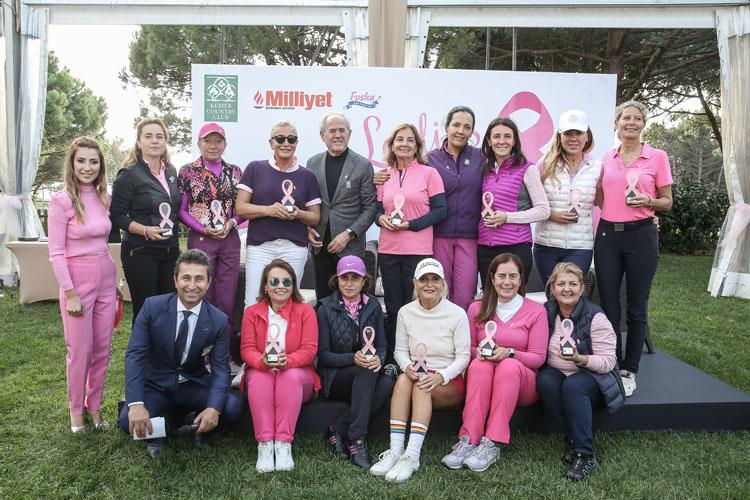 """Kadın Golfçüler """"Ladies Meme Sağlığı Golf Turnuvası 2021'' ile Farkındalık Yaratmak Amacıyla Kemer Country'de Sahadaydı"""