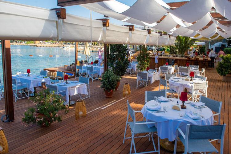 Danış Restaurant Zırh Kebabı İle Damaklarda İz Bırakıyor