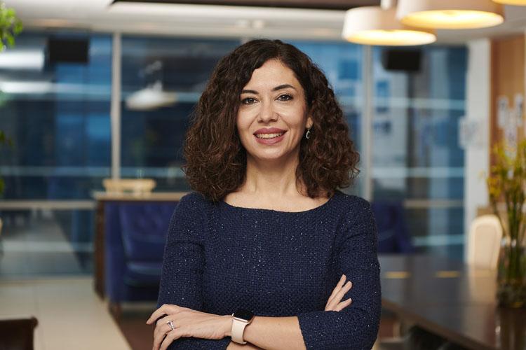 Sinem Sandıkçı Gökçen: L'Oréal Türkiye'nin ilk Türk ve İlk Kadın Ülke Genel Müdürü Olarak Atandı