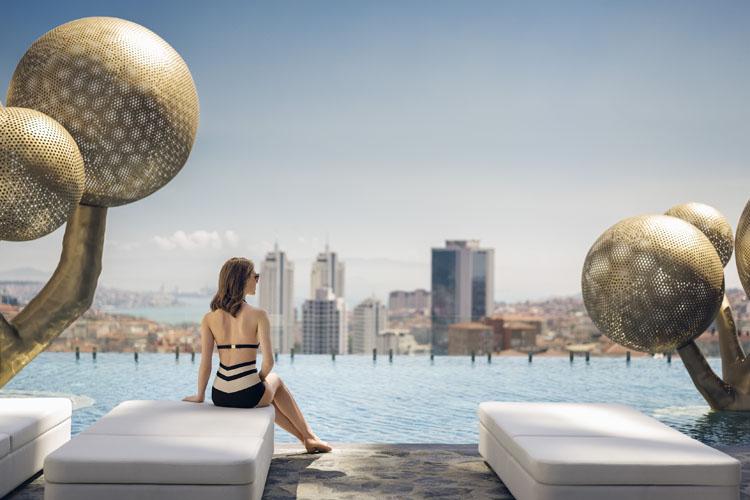 """Şehrin En """"Cool"""" Havuzu Ukiyo Yaza Serinlik Katıyor"""