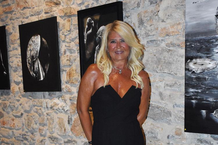 Işıl Kadıoğlu: Yeni Eserlerini Bodrum'da Sergiledi